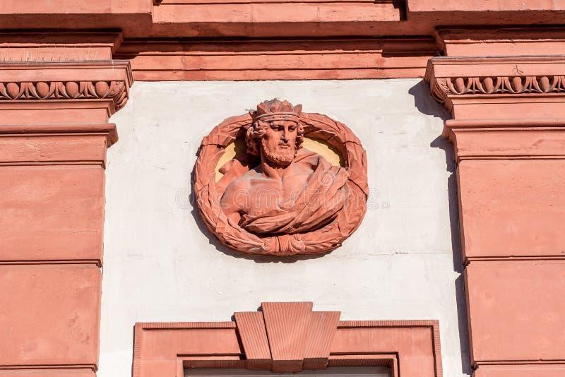 Cidade velha de Bayreuth - ot histórico da fachada o castelo velho fotos de stock