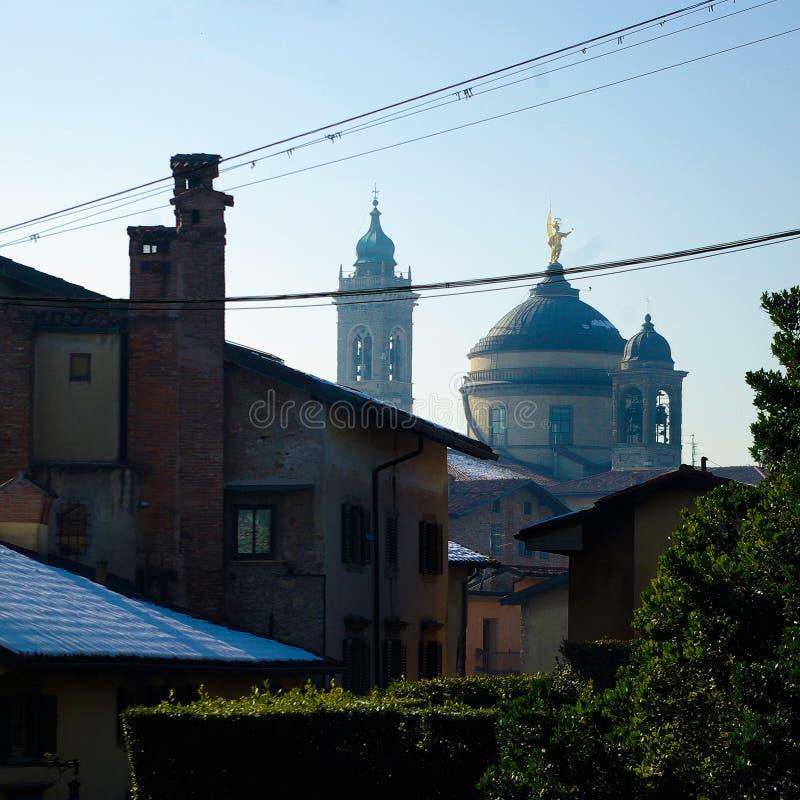 Cidade velha de Bergamo no inverno imagens de stock royalty free