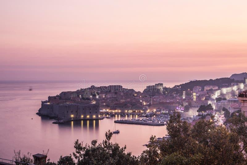 Cidade velha de Dubrovnik no por do sol foto de stock royalty free