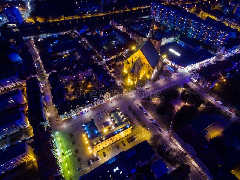 Cidade velha de Kolobrzeg, opinião da noite de cima de fotos de stock royalty free