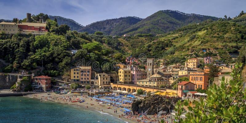 A cidade velha de Monterosso na tarde fotos de stock