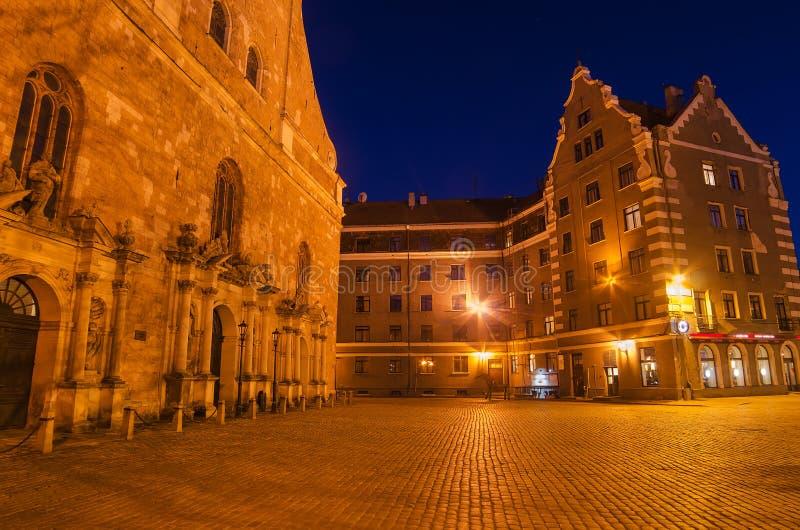 Cidade velha de Riga (Letónia) na noite fotos de stock royalty free