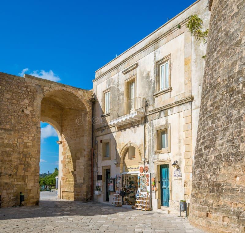 Cidade velha em Otranto, província de Lecce na península de Salento, Puglia, Itália fotos de stock royalty free