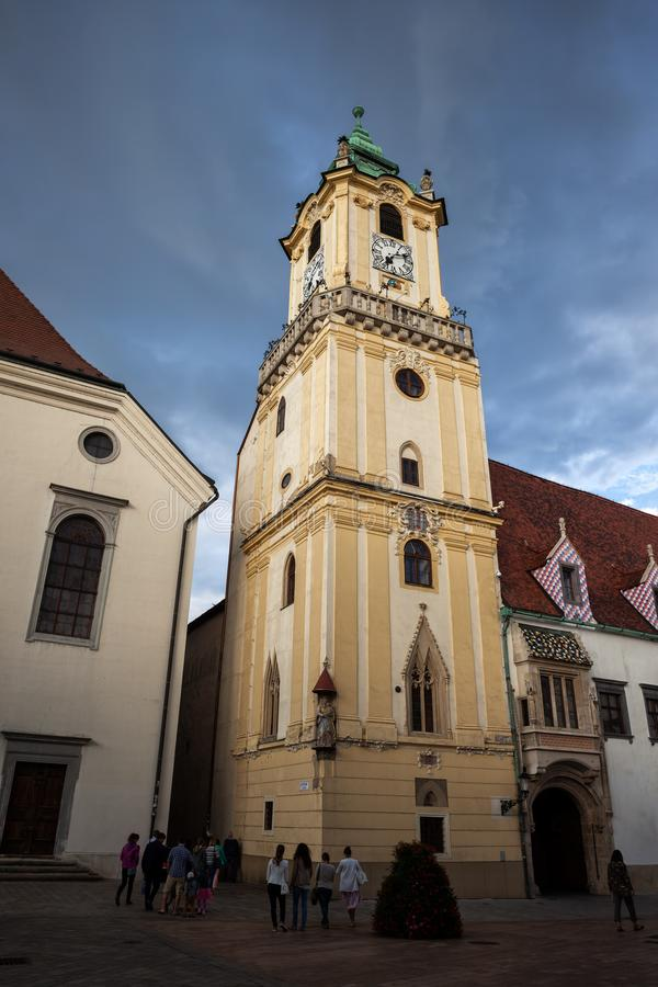 Cidade velha Hall Tower em Bratislava imagem de stock