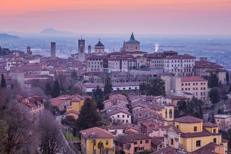 Cidade velha hist?rica de Bergamo, Lombardy, It?lia imagens de stock