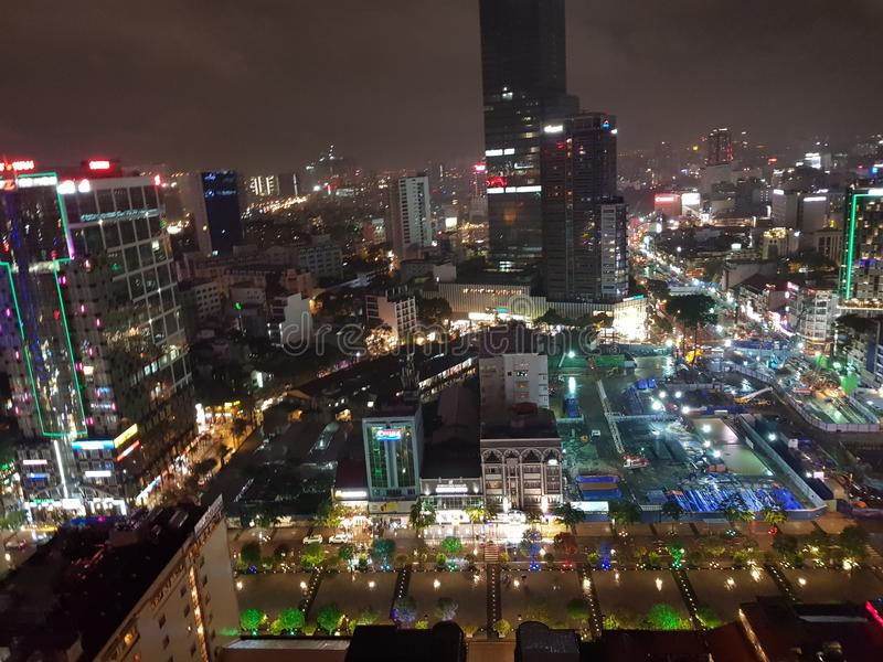 Cidade Vietname de HCM na noite fotos de stock royalty free