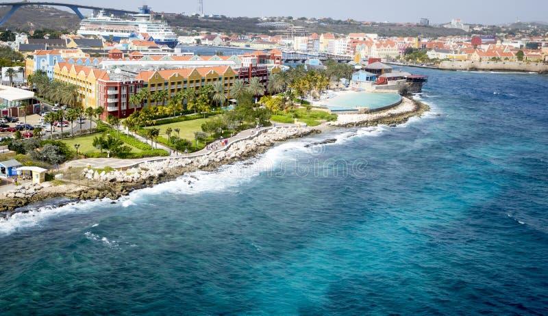 Cidade Willemstad do porto em Curaçau fotografia de stock royalty free