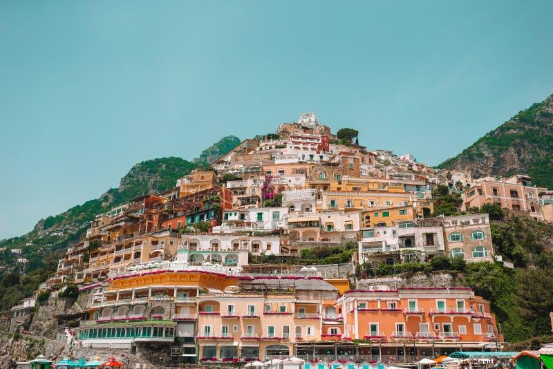 Cidades costeiras bonitas de It?lia - Positano c?nico na costa de Amalfi foto de stock royalty free