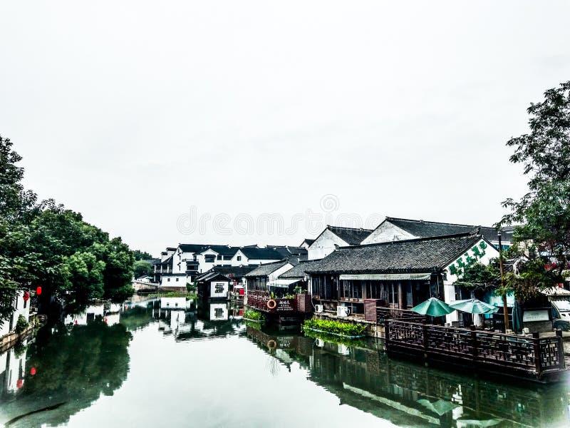 Cidades do canal no sul do Yangtze foto de stock royalty free