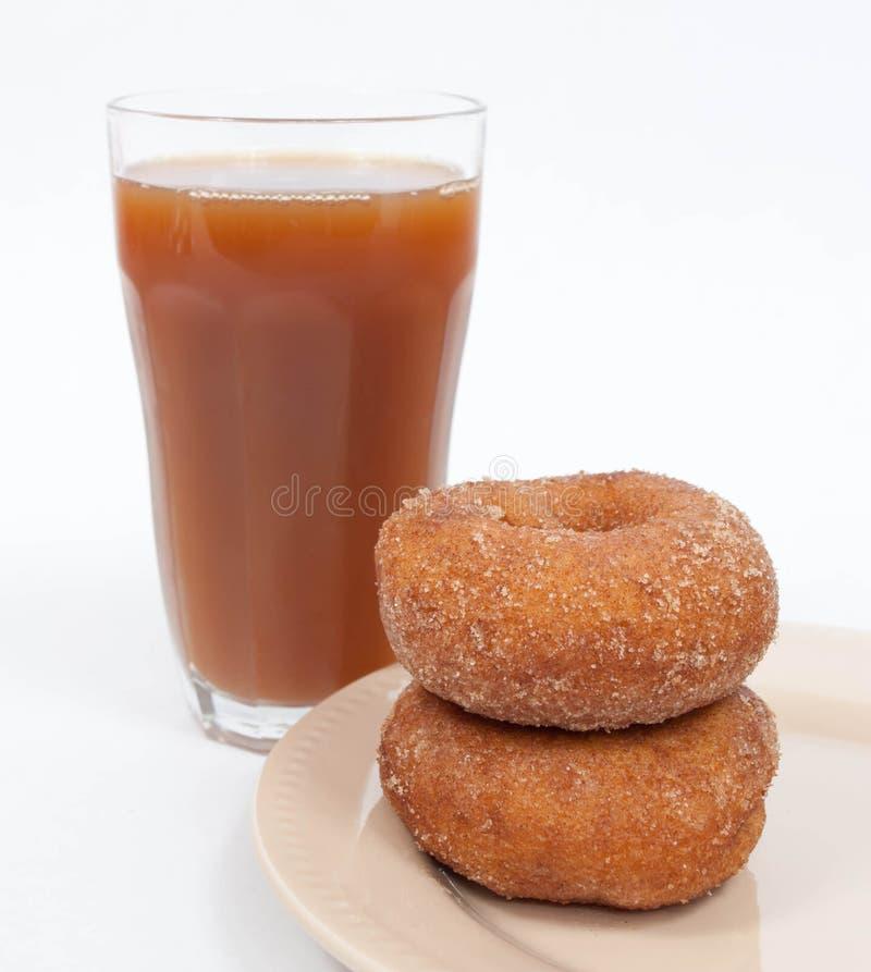 Cider och Donuts arkivfoto