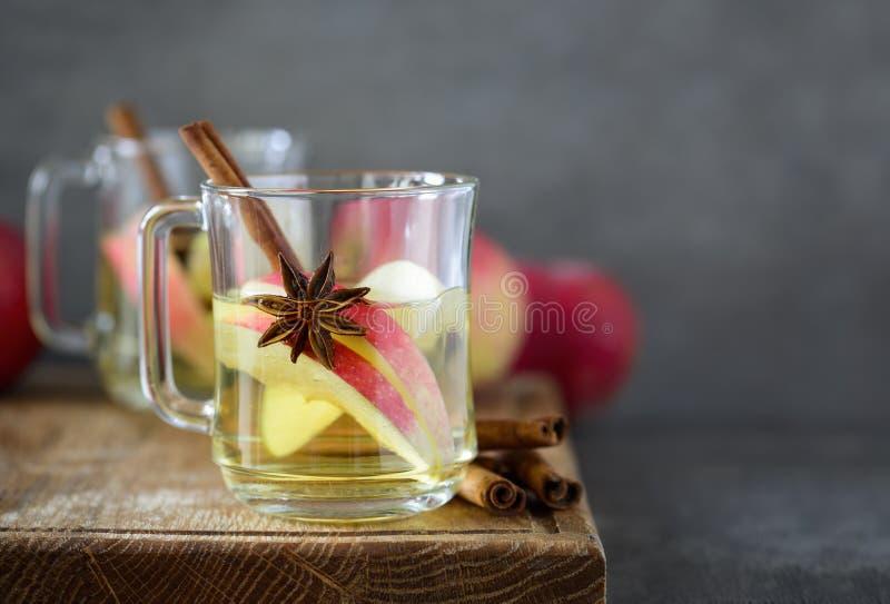 Cidre chaud d'érable d'Apple photographie stock