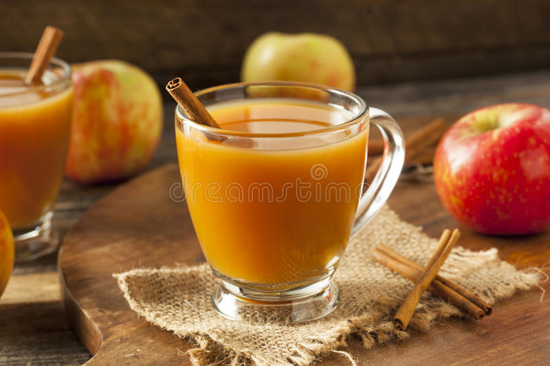Cidre d'Apple chaud chaud photographie stock