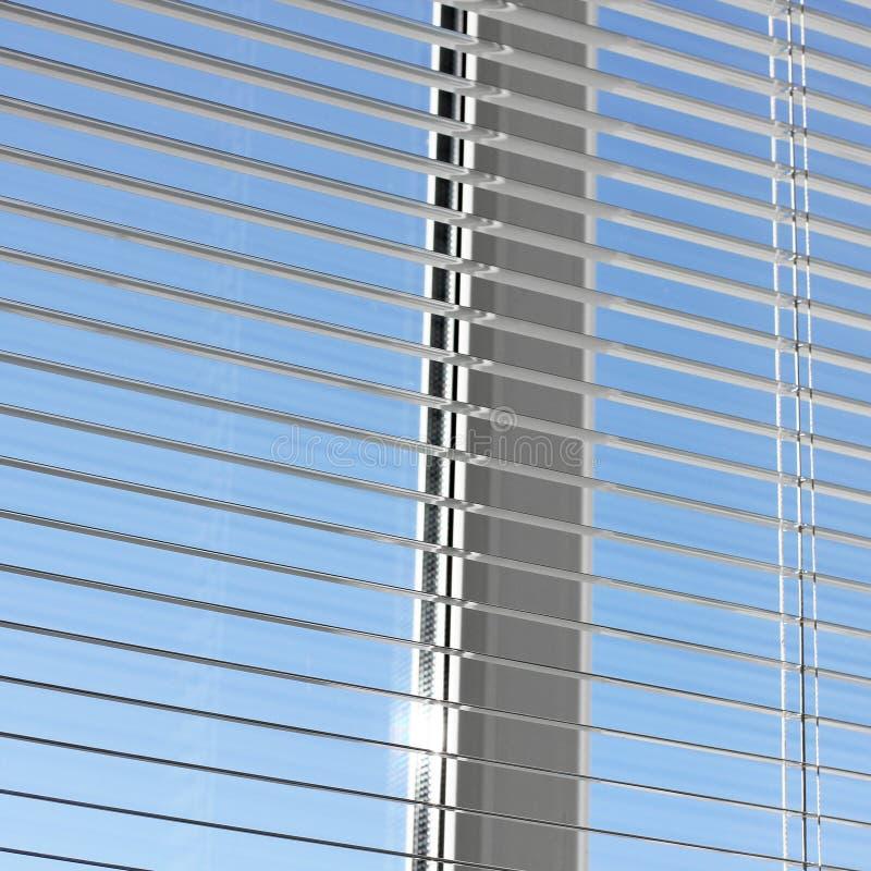 Ciechi sulla finestra Ciechi aperti fotografia stock libera da diritti