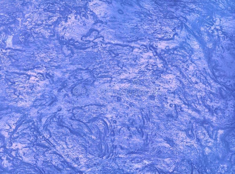 Ciekła tekstura w modnym kolorze Phantom Blue Popularne tło zdjęcie royalty free