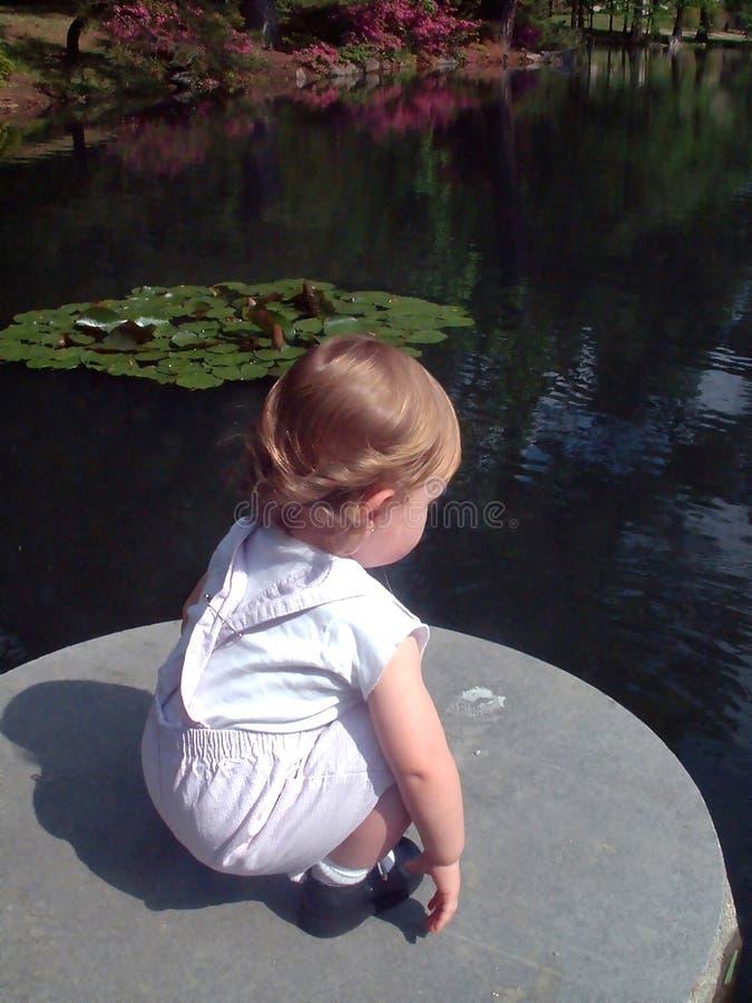 Download Ciekawość zdjęcie stock. Obraz złożonej z dziewczyna, skała - 27938