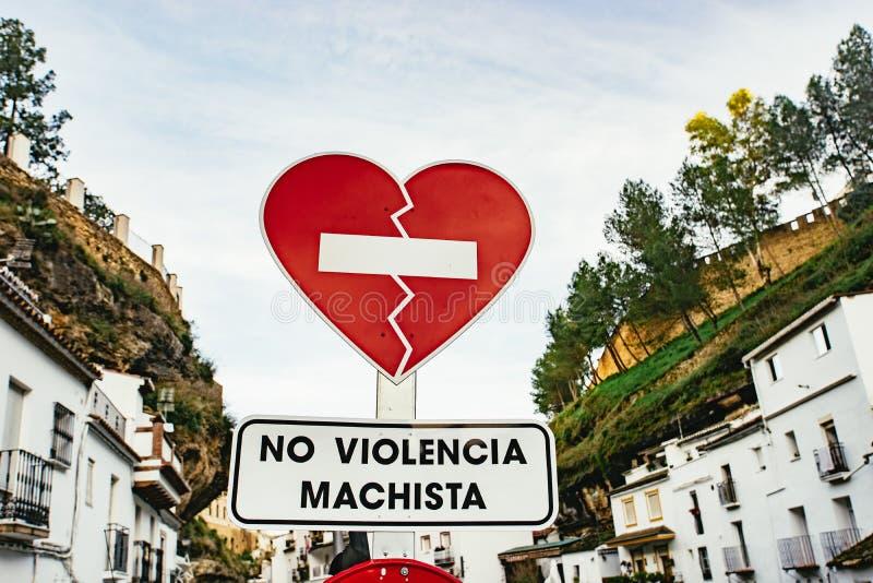 Ciekawy czerwony znak uliczny Setenil De Las Bodegas obrazy royalty free