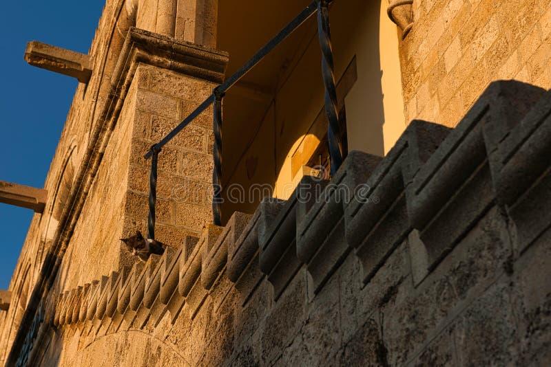 Ciekawy kota Uroczystego mistrza pałac Rhodes obrazy stock