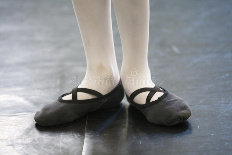 Cieki w baletniczych kapciach obraz stock