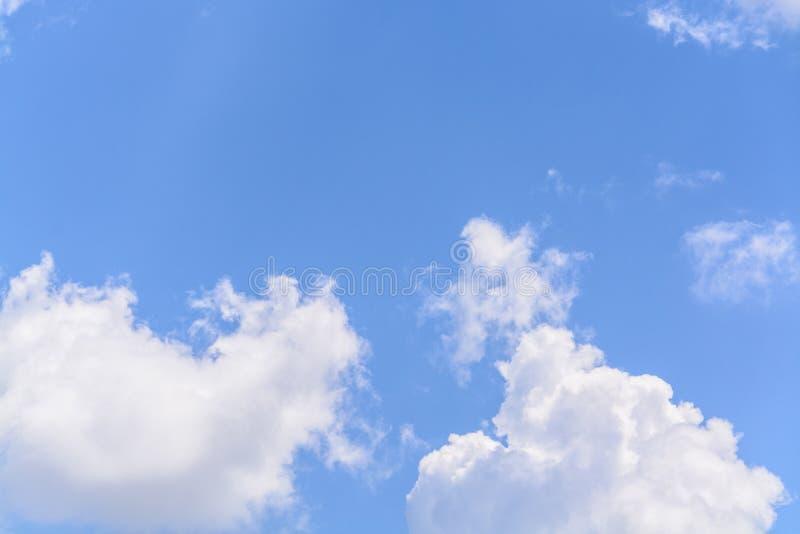 Download Ciel image stock. Image du endless, angle, clear, complètement - 45352675