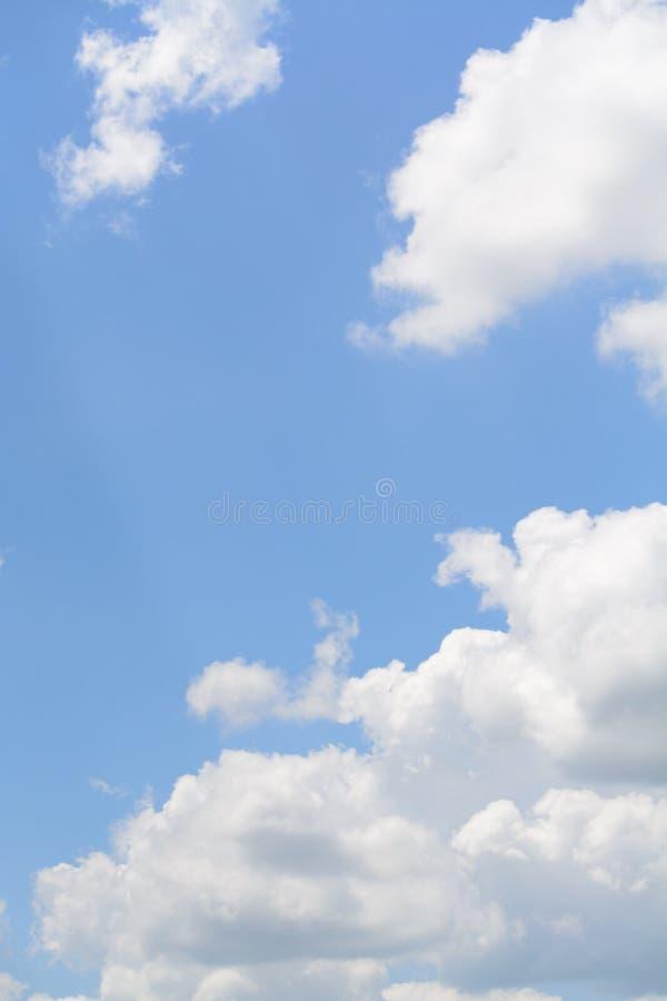 Download Ciel photo stock. Image du bleu, beauté, cloudscape, endless - 45352742