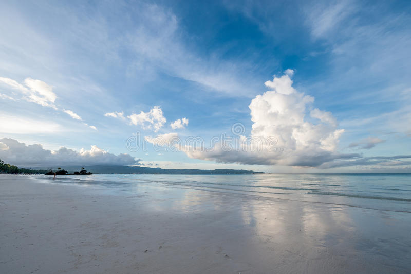 Ciel au-dessus de mer photographie stock libre de droits