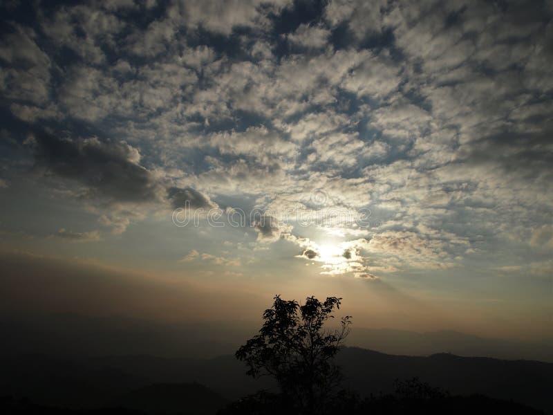 Ciel avant coucher du soleil, Thaïlande image stock
