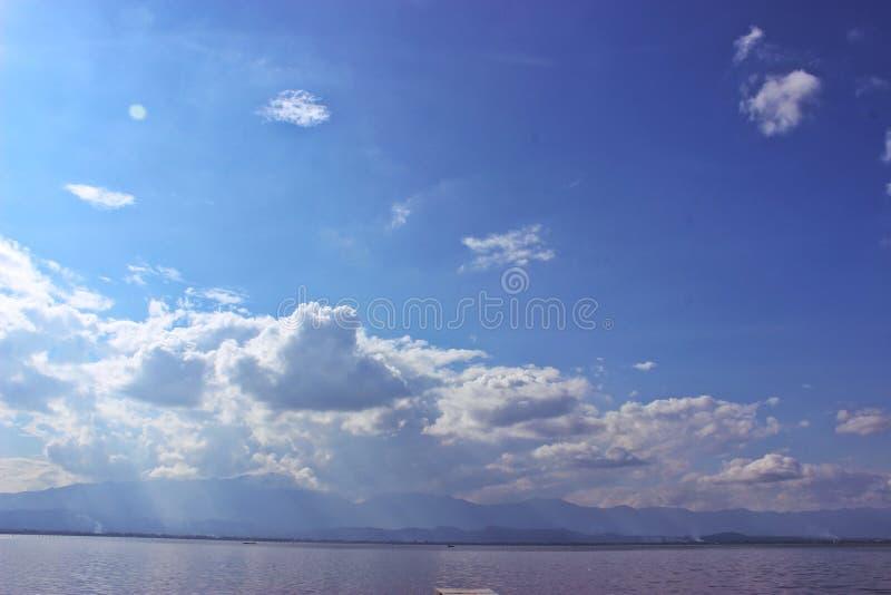 Ciel avec de l'eau photos libres de droits