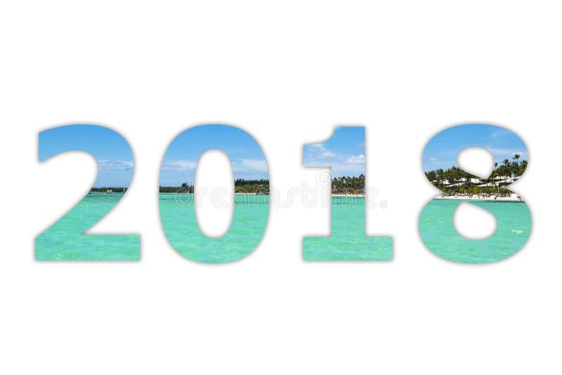 ciel blanc de panorama de 2018 chiffres numéraux avec le fond tropical de blanc d'océan Bonne année et Noël ! Nouvelle année 2018 images libres de droits