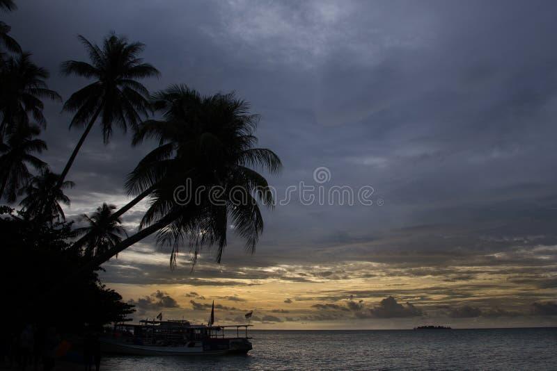 Ciel bleu à l'océan de jawa de Karimun photographie stock libre de droits