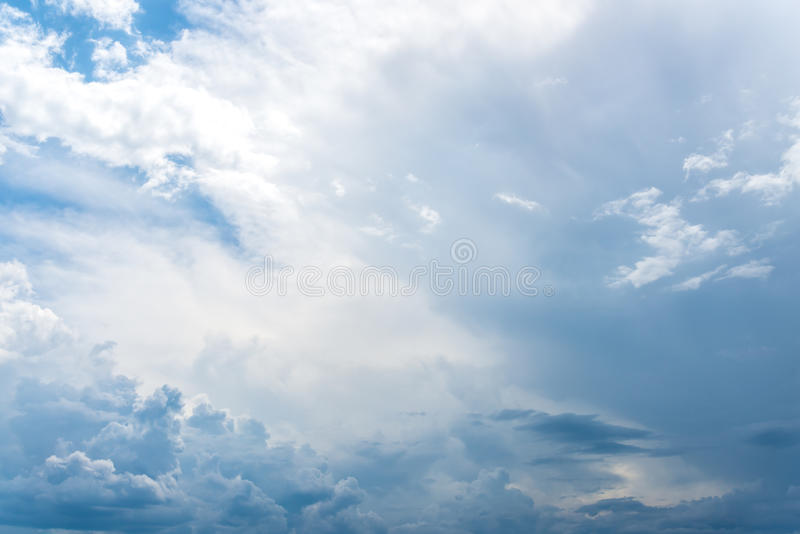 Ciel bleu clair gentil image libre de droits