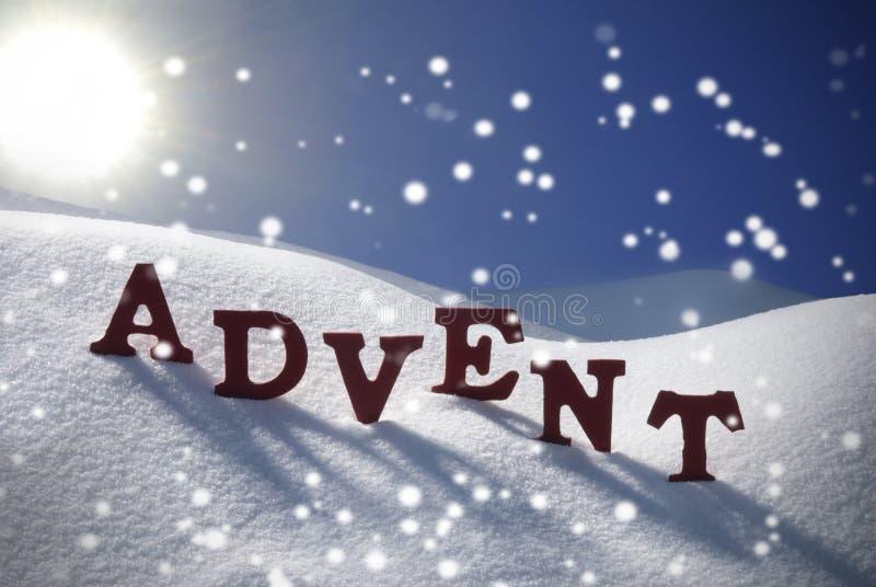 Ciel bleu d'Advent Mean Christmas Time Snowflakes Sun photographie stock libre de droits