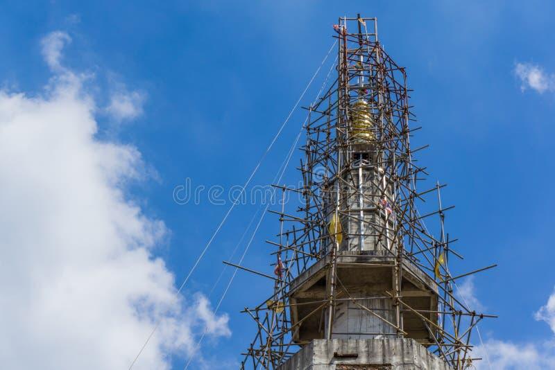 Ciel bleu de construction images libres de droits