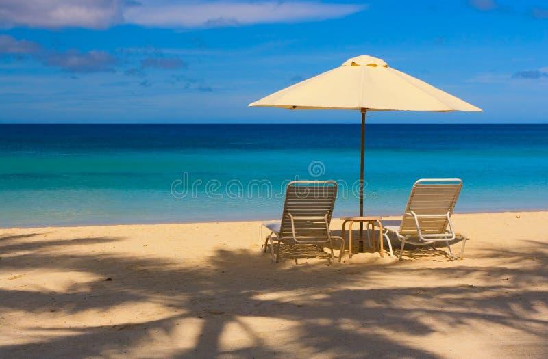 ciel bleu de paradis de plage ensoleillé photo stock