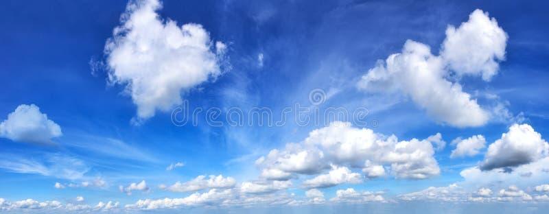 Ciel bleu et nuage images libres de droits