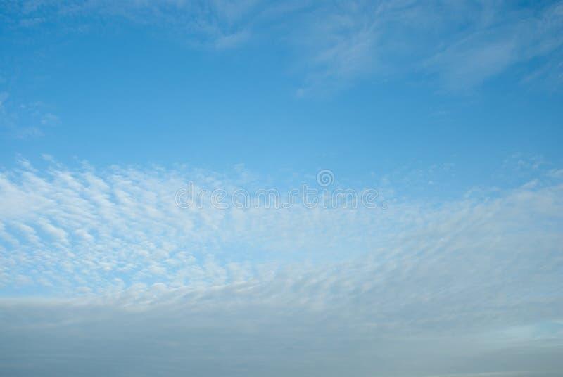 Ciel bleu et nuage photographie stock libre de droits