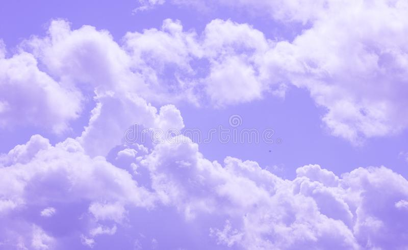 Ciel, bleu, nuages, nuage, blanc, fond, été, nature, belle, beauté, couleur, lumière, jour, temps, clair, haut, ciel, photo libre de droits