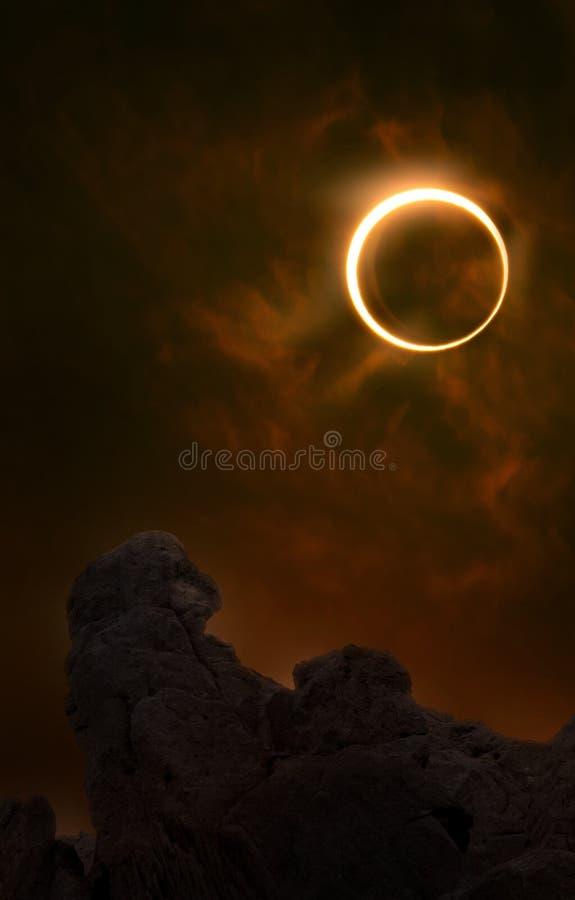 Ciel d'incendie d'éclipse annulaire image libre de droits