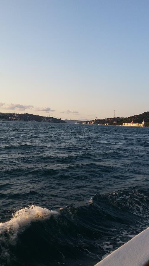 Ciel d'Istanbul de mer image stock