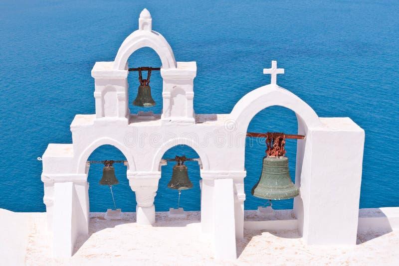 Ciel de Bells d'église de Santorini Grèce Oia images libres de droits