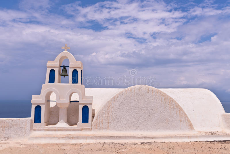Ciel de Bells d'église de Santorini Grèce Oia photo stock