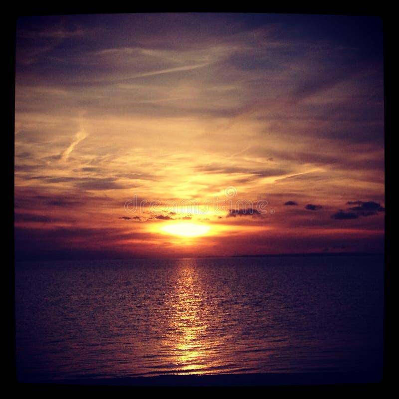 Ciel de coucher du soleil de plage de Provincetown la nuit image stock