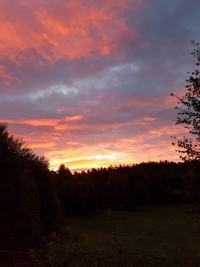 Ciel de 6h du matin image libre de droits
