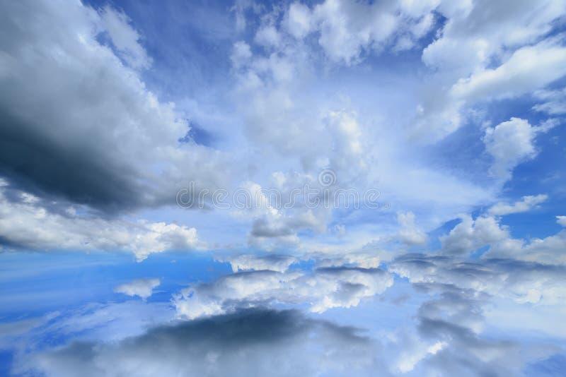 Ciel de nuage photographie stock libre de droits