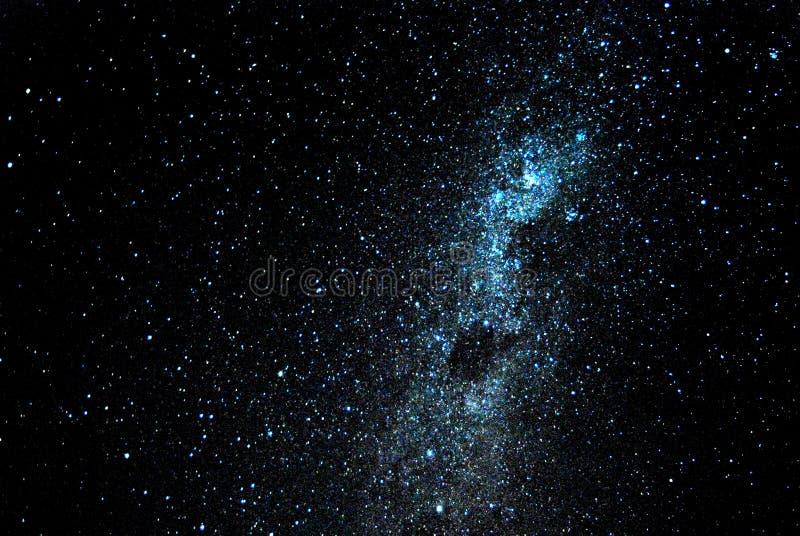 Ciel de nuit complètement des étoiles image stock