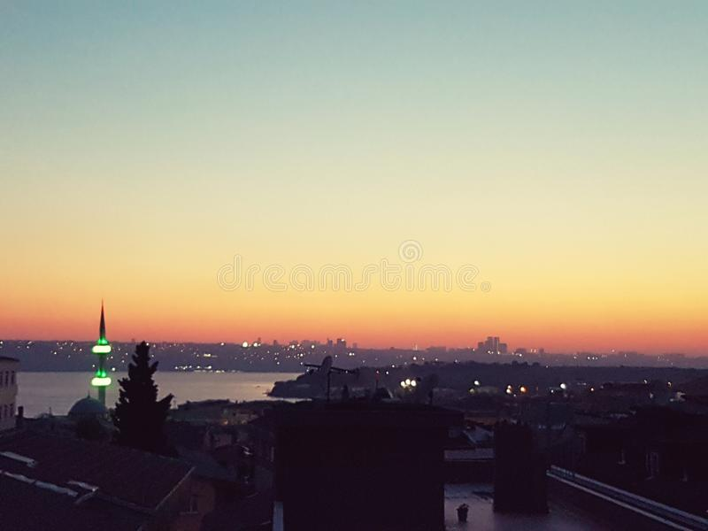 Ciel de soirée d'Istanbul photos libres de droits