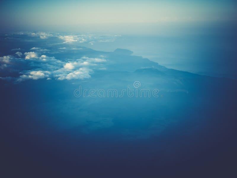 Ciel et nuages d'air de l'espace de l'atmosphère image stock