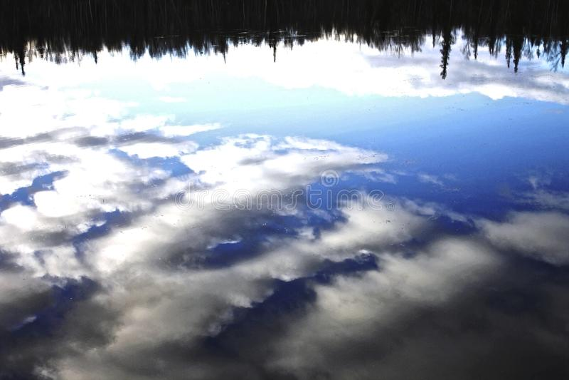 Ciel inversé photo stock