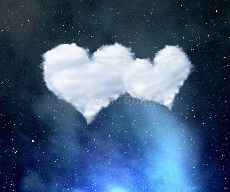 Ciel nocturne avec les nuages blancs sous forme de coeurs photo libre de droits
