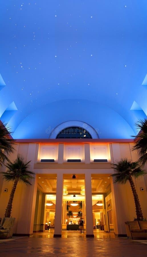 Ciel nocturne de station de vacances de dauphin du monde de Disney image stock