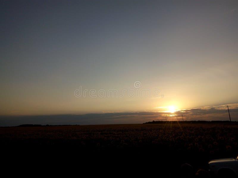 Ciel noir de paysage de nature de coucher du soleil photo libre de droits